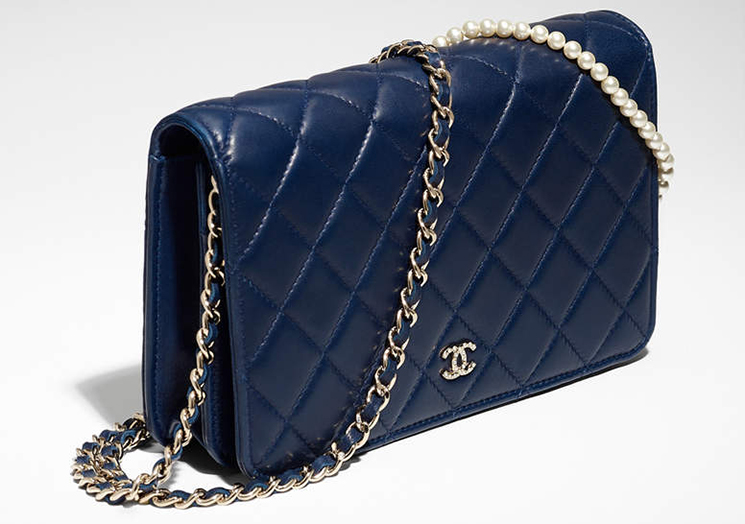 Chanel-Pearl-Wallet-On-Chain-2
